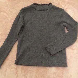 Textured gray long sleeve tee
